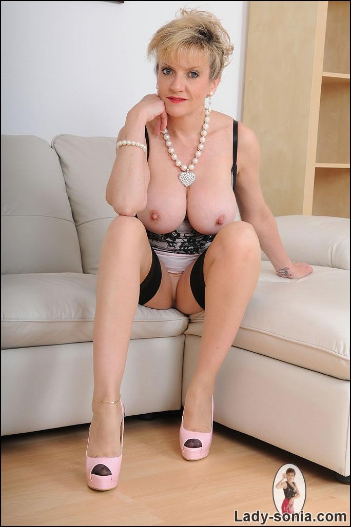 Голая зрелая баба за 50