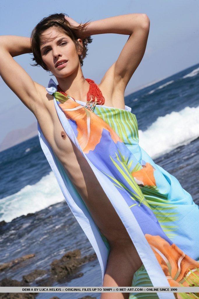 Стройное тело в пляжном фото сете