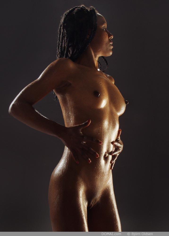 Отличная грудь темнокожей телки