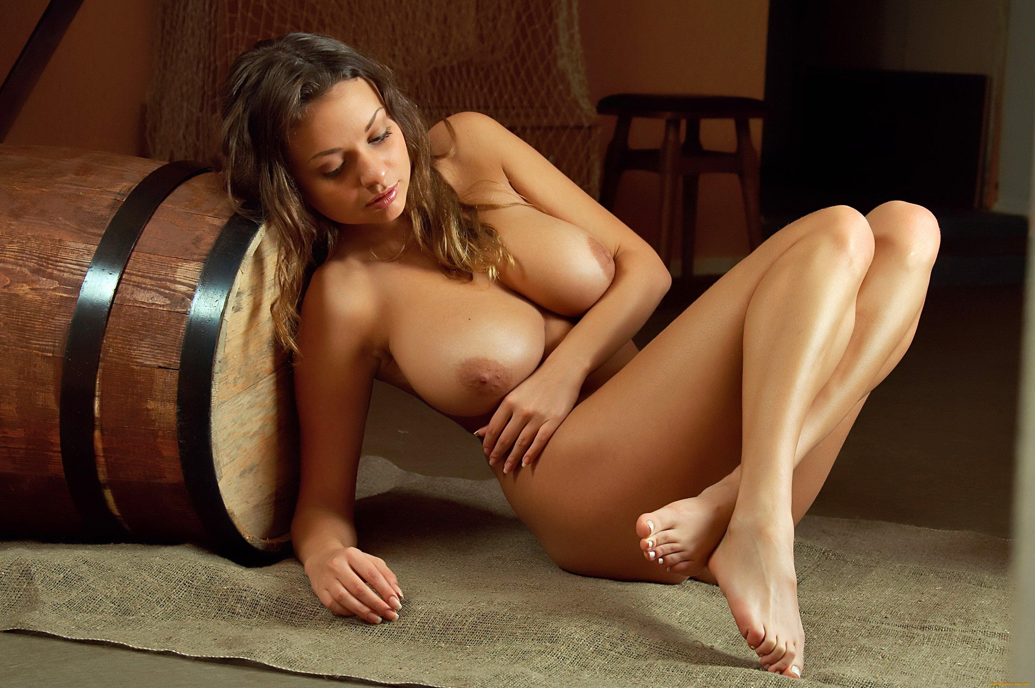 Sexy Nude Woman Pics