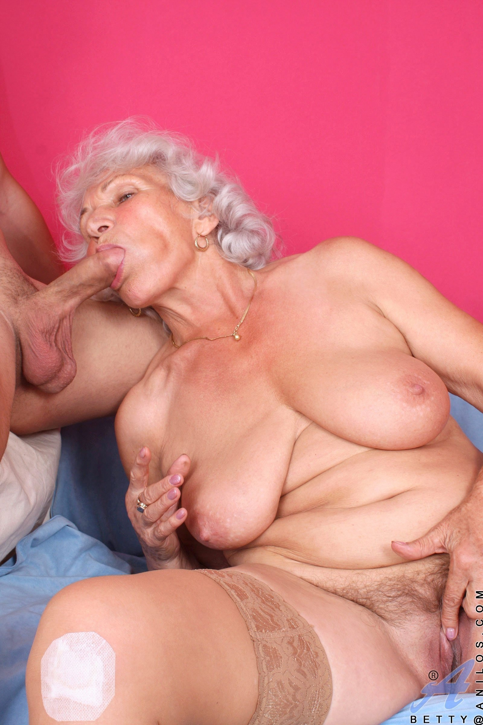 Порно Бабки В Годах