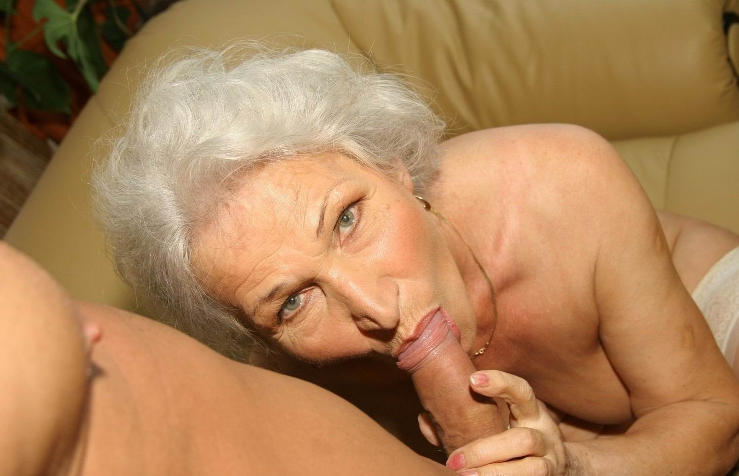 Порно Старых Бабушек Бесплатно