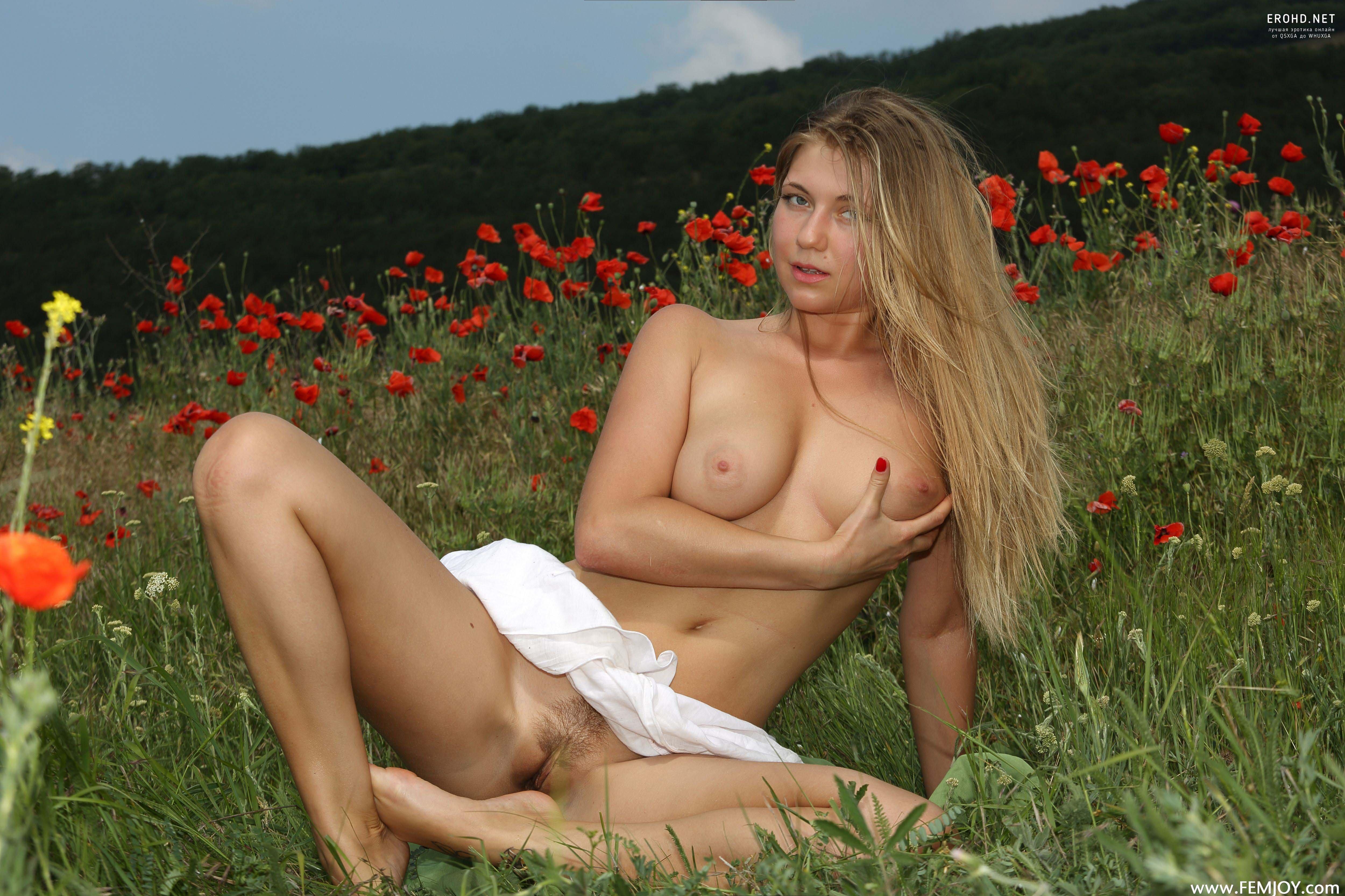 Обнаженные Девушки Позы Фото Украинки Смотреть Бесплатно