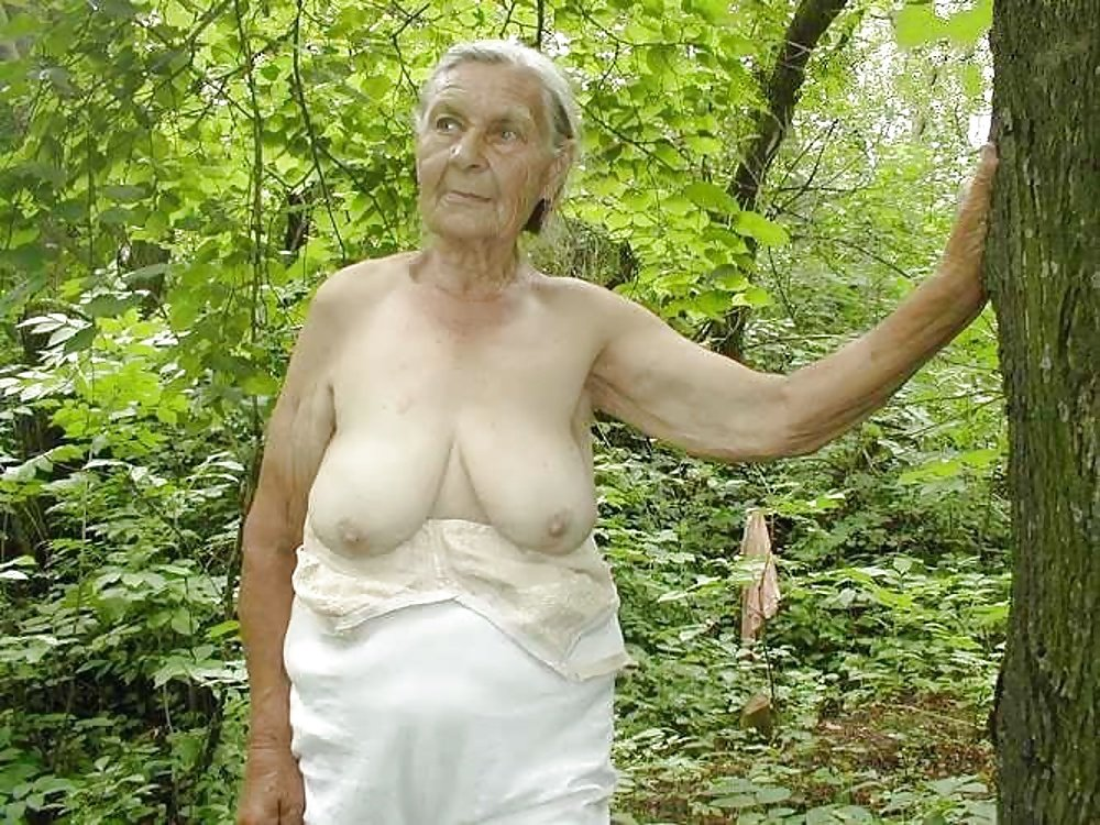 Фото Обнаженные Бабушки На Природе