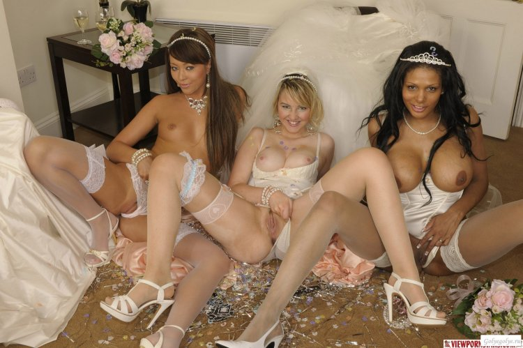 Сиськи невест (56 фото)