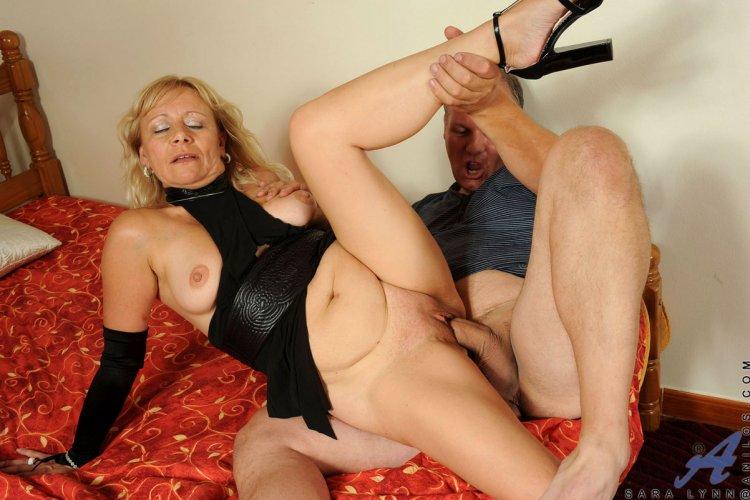 Порно со зрелыми дамами за 50 (62 фото)