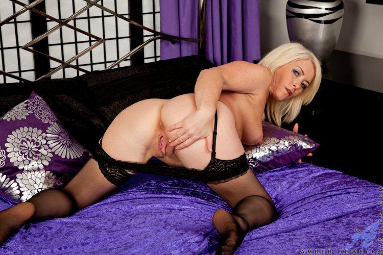 Порно красивых зрелых блондинок (51 фото)