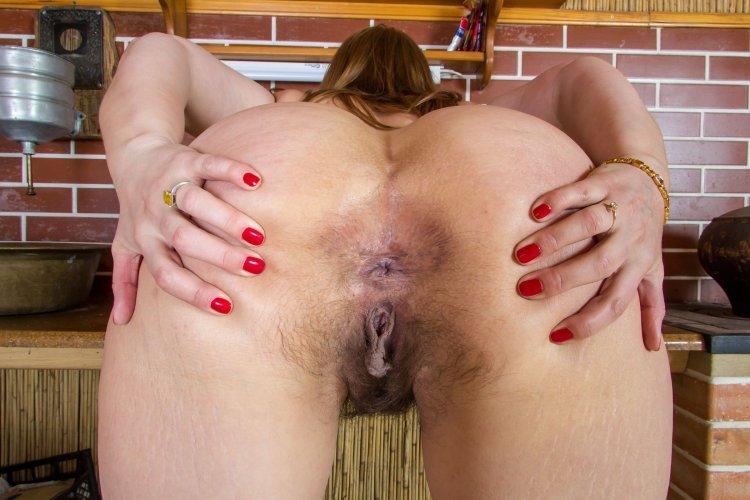 Волосатые анусы зрелых женщин (59 фото)