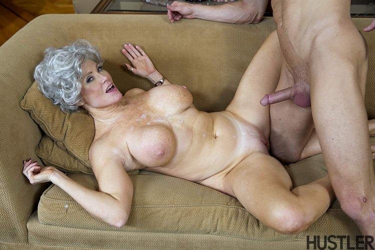 Порно с сексуальными голыми старухами (61 фото)