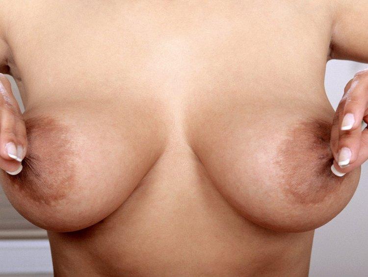 Большие женские соски (56 фото)