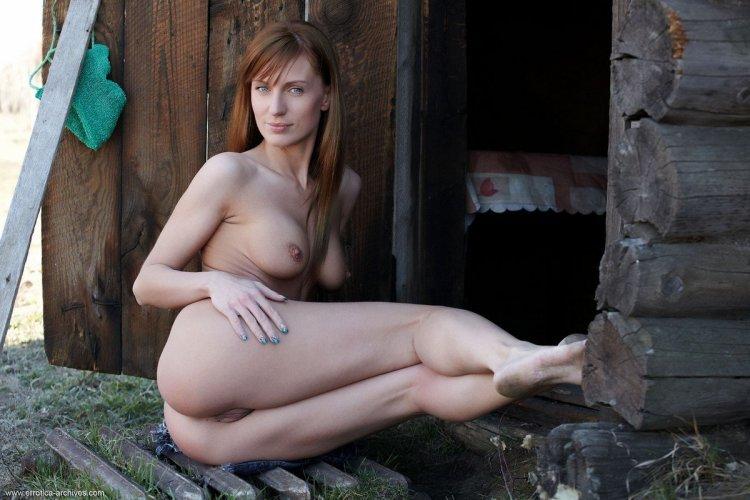 Деревенские девушки ню (44 фото)