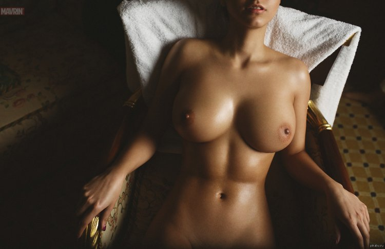 Красивая грудь ню (32 фото)