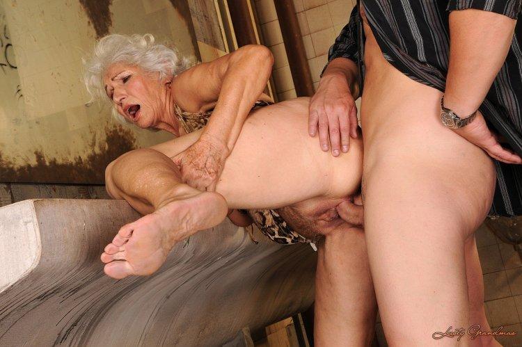 Трах с пожилыми старухами (62 фото)