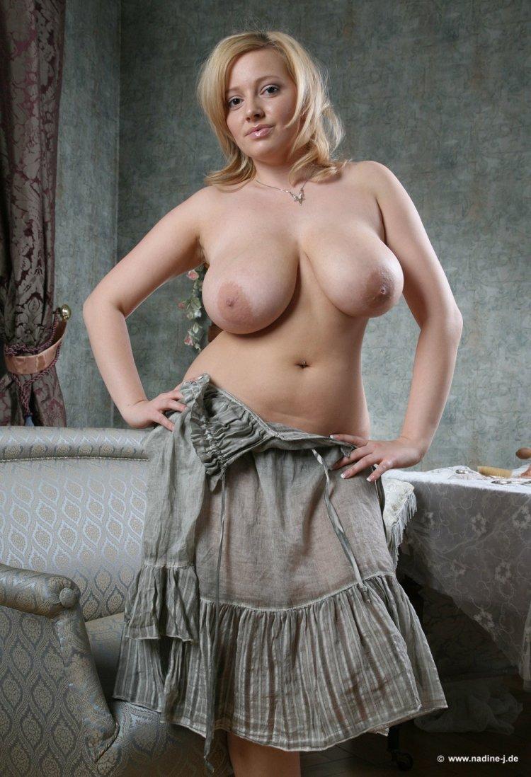 Голые тетки с большими сиськами (65 фото)