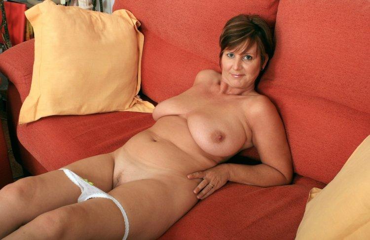 Красивые голые дамы в возрасте (65 фото)