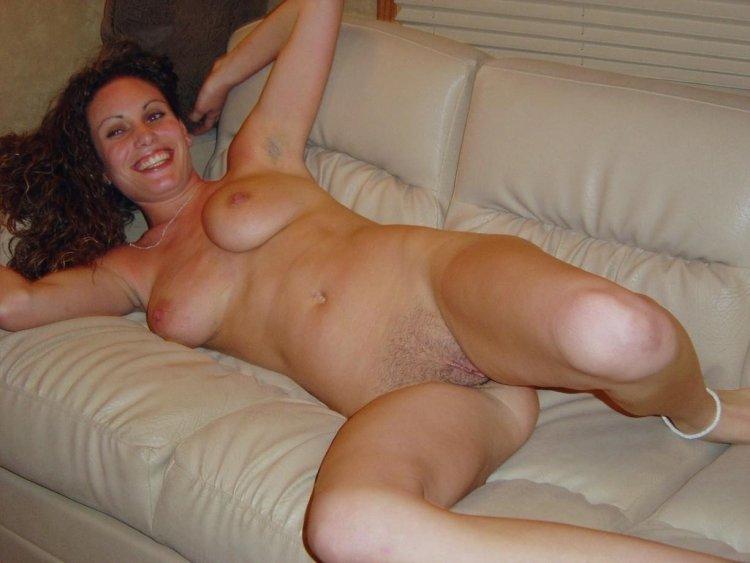 Голые дамы в теле (64 фото)