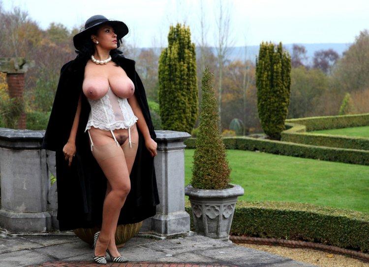 Голые шикарные дамы (63 фото)