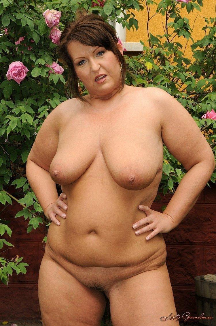 Голые толстые дамы (64 фото)