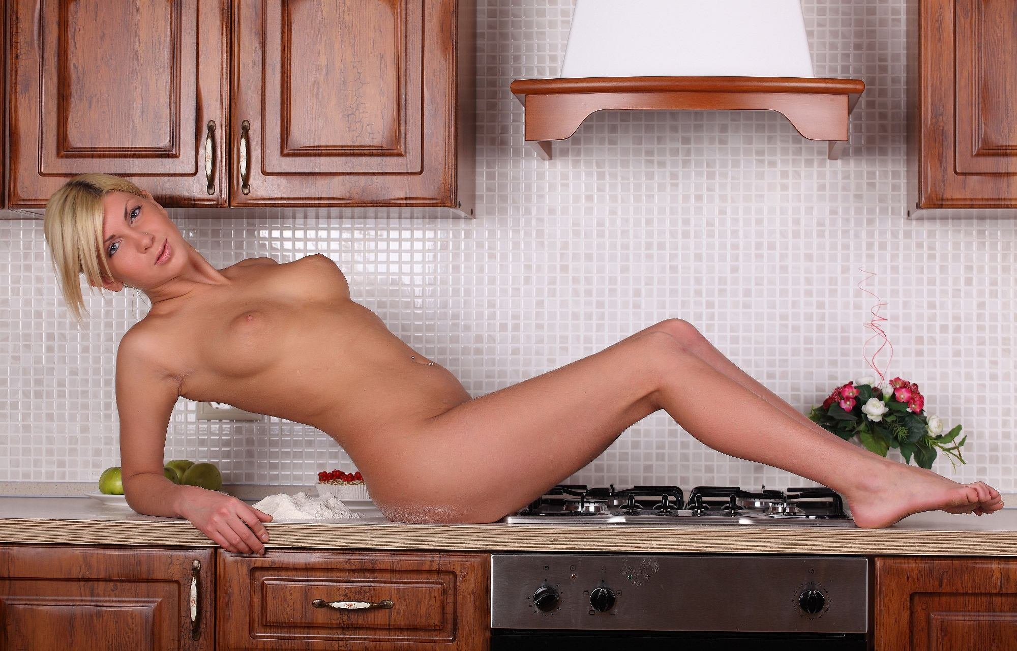 Beautiful Nude Housewives