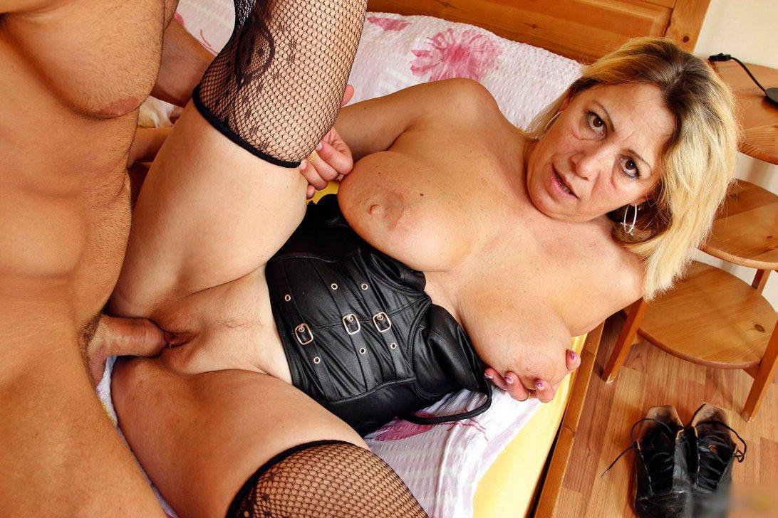 Porno Mature Video