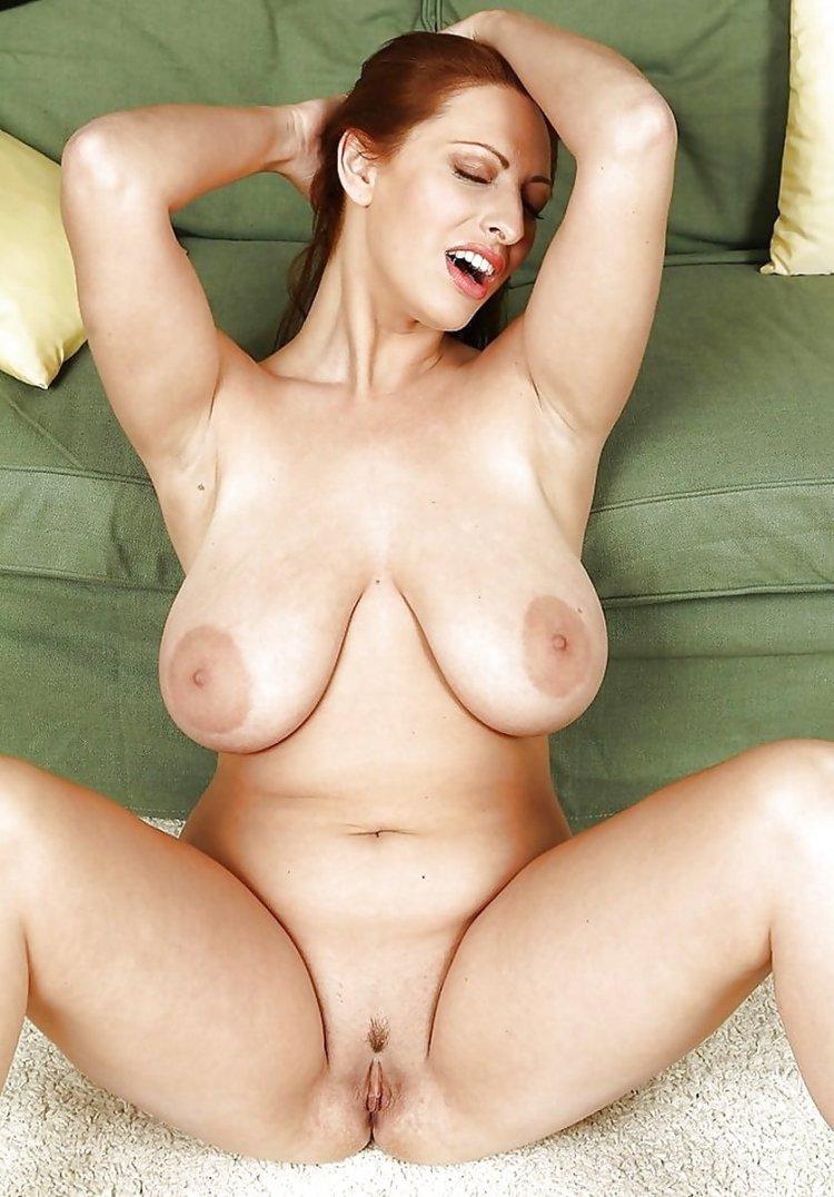 Большие висячие груди блядей (85 фото)