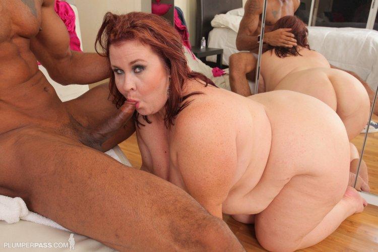Секс с сисястыми телками с жирными жопами (69 фото)