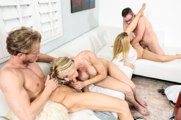 Порно шведская семья (69 фото)
