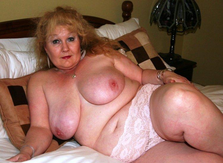 Голые толстые бабульки (80 фото)