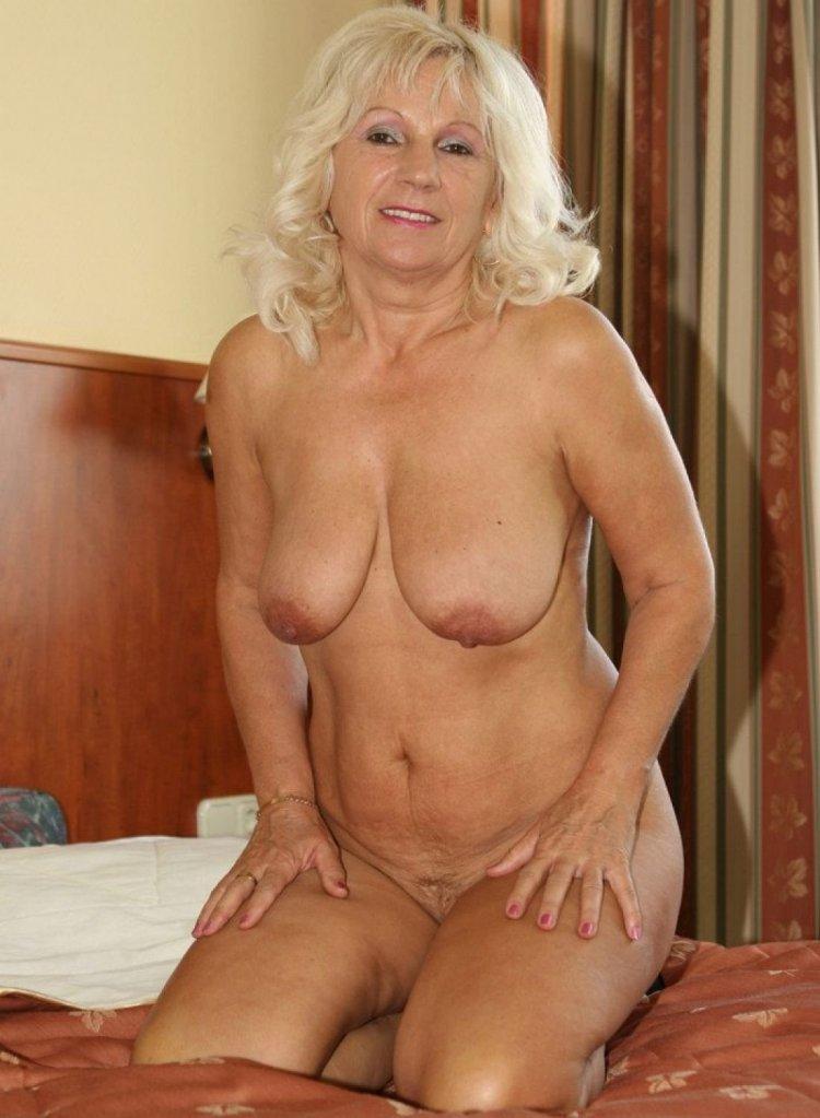 Голые возрастные бабы (80 фото)