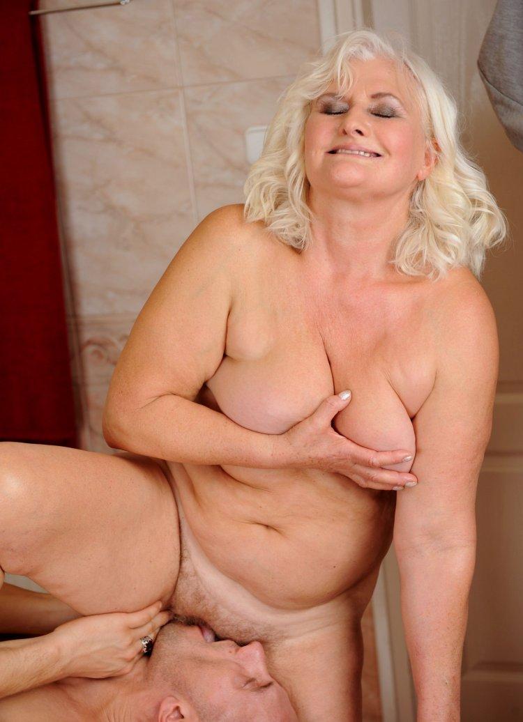 Голые бабушки за 50 (80 фото)