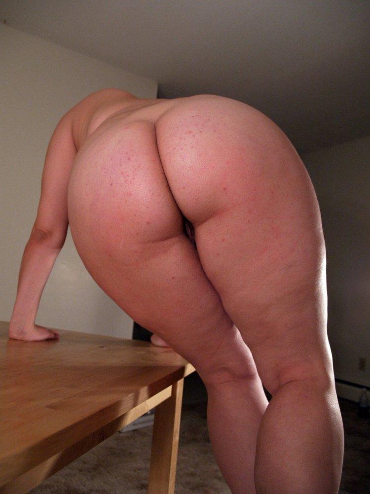 Голые попочки толстенных баб (78 фото)