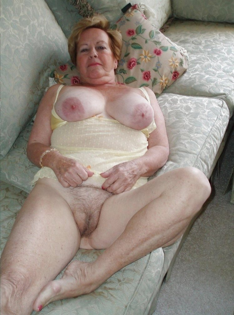 Голые зрелые бабушки (78 фото)