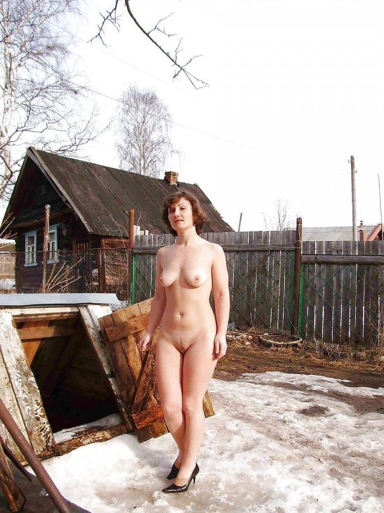 Фото голых баб на даче (78 фото)