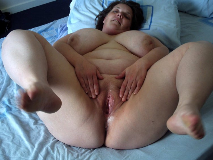 Раздвинутые ноги толстых баб (80 фото)