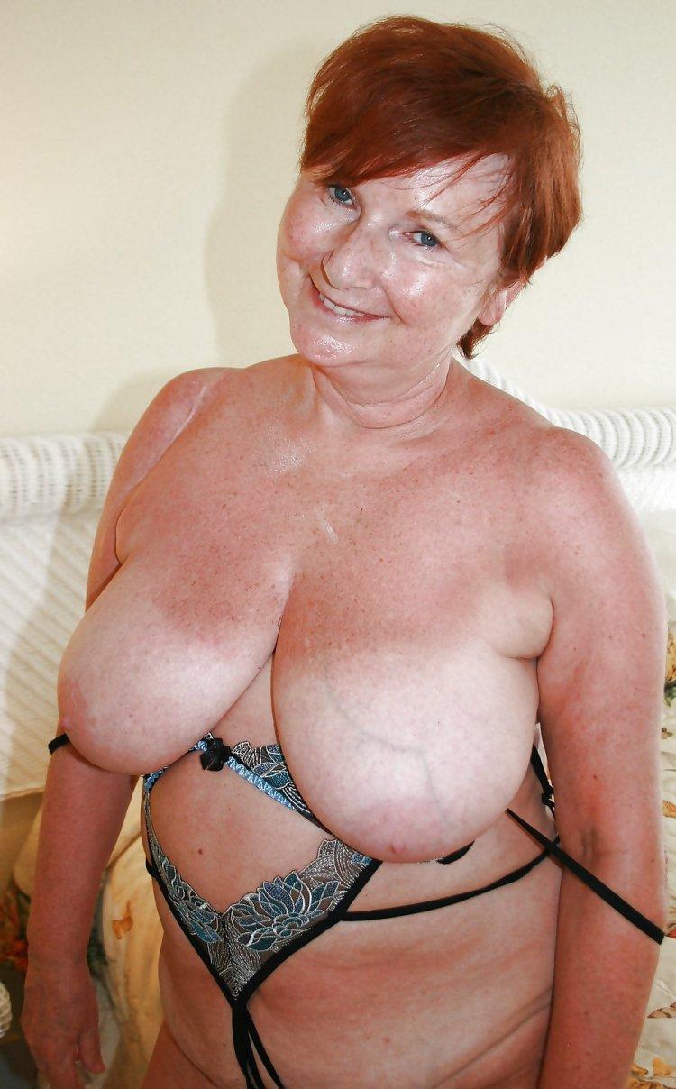 Титьки пожилых бабушек (78 фото)