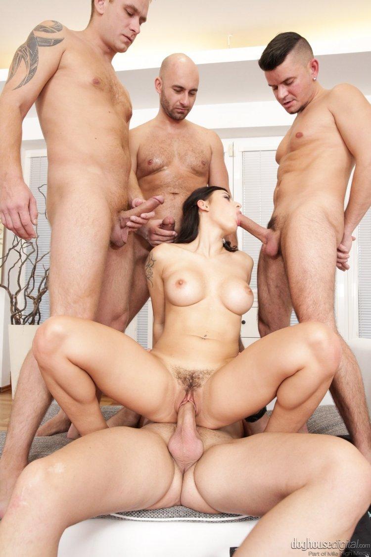 Секс с пятью женщинами одновременно (83 фото)
