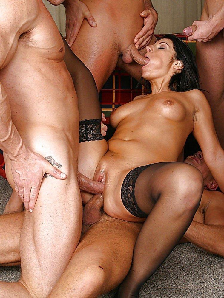 Секс в группавухе (82 фото)