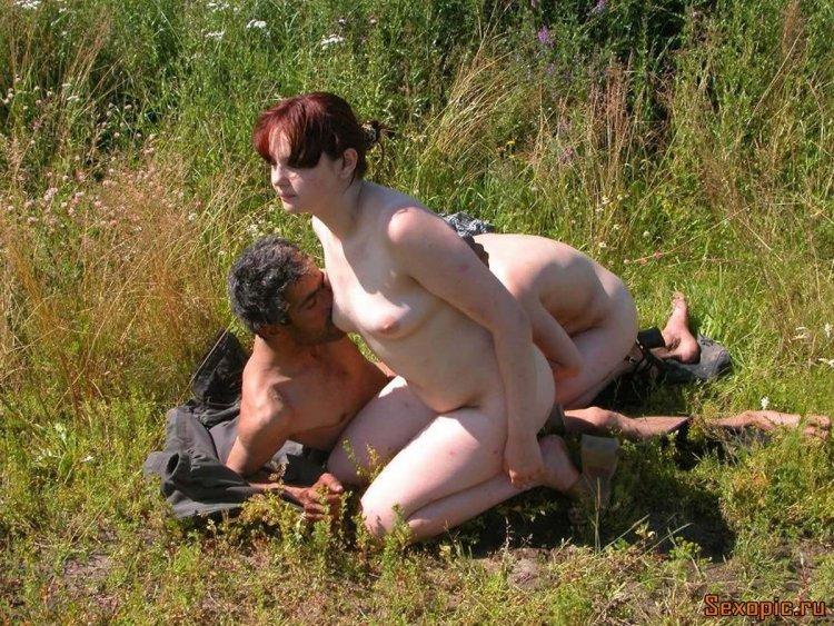 Деревенский секс на природе (79 фото)